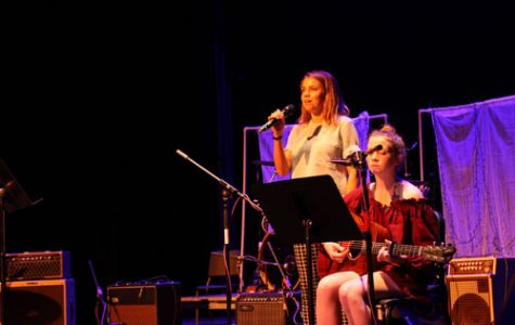 Journalism jams out at benefit concert