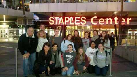girlls basketball takes on staple center3